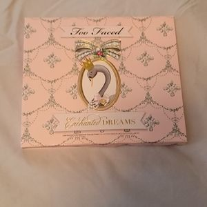 Nwt Never used  Too Faced Enchanted Dreams set